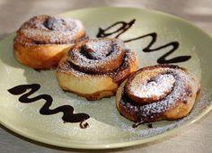 Kanelbullar (Cinnamon Roll, Ciambelle alla cannella) ~ Mondi e Sapori