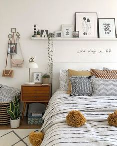 30 ideas to decor your bed room in 2019 winter you can copy you need a warm bedroom.The weather is colder day by day. so we collected about 30 bed room decoration ideas for you.you can copy it. Warm Bedroom, Dream Bedroom, Room Decor Bedroom, Winter Bedroom, Bedroom Bed, Simple Bedroom Decor, Bedroom Inspo, Bedroom Inspiration Cozy, Bedroom Furniture