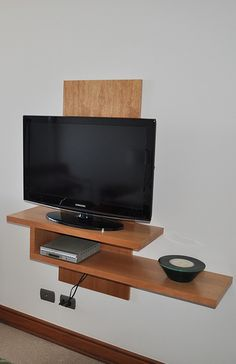 7 Agreeable Clever Ideas: Ikea Floating Shelves Office floating shelf for tv wall colors.Floating Shelves Over Tv Mantles. Wall Storage, Bedroom Storage, Wall Shelves, Diy Bedroom, Storage Ideas, Wood Shelf, Bedroom Ideas, Bedroom Wall, Ikea Storage
