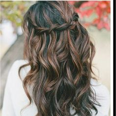 Love the messy water fall braid!!