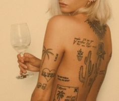 Rebellen Tattoo, Shape Tattoo, Piercing Tattoo, Tattoo Quotes, Piercings, Mini Tattoos, Body Art Tattoos, Small Tattoos, Sleeve Tattoos
