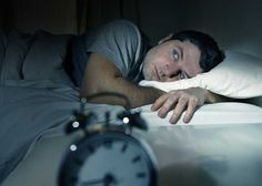 Smettere di fumare migliora lentamente la qualità del sonno, all'inizio ci sarà chi ha bisogno di poche ore per sentirsi riposato, altri dovranno dormire molte più ore per alzarsi energici e rilassati, tutto si stabilizza nel momento in cui ci si libera definitivamente dalla nicotina, è quindi bene portare pazienza ed affrontare questo viaggio per migliorare sia la propria salute che il proprio dormire.  #smetteredifumare #fumare  http://bit.ly/29zvjA8