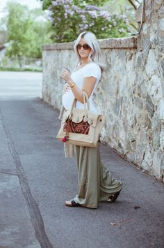 Cara Loren - Dressing the bump - Maternity style Stylish Maternity, Maternity Wear, Maternity Fashion, Maternity Style, Pregnancy Looks, Pregnancy Outfits, Pregnancy Style, Pregnancy Fashion, Mommy Fashion