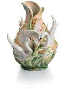 Hattyús váza / Swan vase by Franz Porcelain