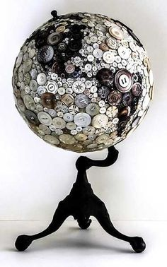 globe-decorating-with-beads-buttons-coffee-beans (2).