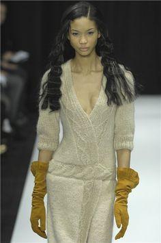 #Knit v-neck dress with cables.  Skirt Knit  #2dayslook #SkirtKnit #fashion #new  www.2dayslook.nl