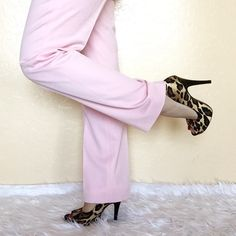 "• Escada • High Waisted Trousers Pink Escada trousers with 11"" rise. Get the look! Escada Pants Trousers"