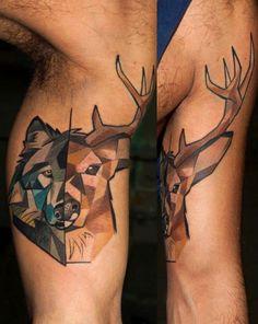 Cores e muitos padrões geométricos nas tatuagens de Mátyás Csiga Halász
