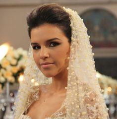 Novela Salve Jorge detalhes do vestido de noiva de Drika