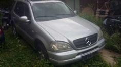 Mercedes-Benz M-Klasse 320 Benzin mit Leder  SUV / Offroad, 2000, 233.000 km, €…
