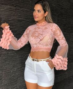 Image may contain: 1 person, standing Curvy Outfits, Classy Outfits, Casual Outfits, Hot Pants, Blouse Styles, Lace Tops, Summer Wear, Skirt Outfits, Look Fashion