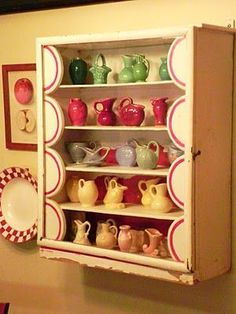 "This is adorable! ""Cheryl's collection of Shawnee Miniatures in an absolutely charming little cabinet. This photo started me on my collection. Mccoy Pottery, Vintage Pottery, Pottery Art, Vintage Ceramic, Miniature Rooms, Miniature Kitchen, Mini Kitchen, Vintage Kitchen, Vintage Cabinet"