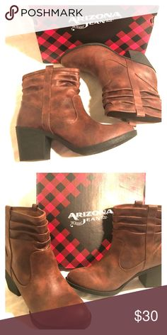 🍁Brown Ankle Boots🍁 🍁Fall arrival🍁 Arizona jean co. Solid brown slip-on ankle boots  Size:9 Medium Shoes Ankle Boots & Booties