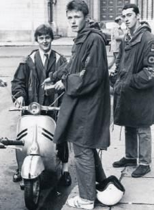 Think those are gola trainers on the 80s mod