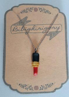 Collana con miniatura rossetto di bibighirigori su Etsy
