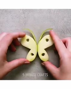 Creative Food Decoration Amazing ideas about decorating the fruit and salad. Love this food hack. The post Creative Food Decoration appeared first on Essen Rezepte. Cute Food, Good Food, Yummy Food, Food Crafts, Diy Food, Kids Crafts, Kids Diy, Fruits Decoration, Food Decorations