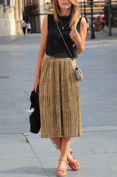 Golden Loose Midi Skirt