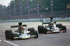 [IMG]Jim Crawford (Lotus) & Tom Pryce (Shadow) - Monza, Italian Grand Prix - 1975 [/IMG]