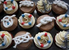 Nautical Cupcakes A yachtsman's birthday cupcakes complete with nautical knots Created by The Angel Bakery, Tetbury Nautical Theme Cupcakes, Nautical Party, Nautical Wedding, Mini Cakes, Cupcake Cakes, Cake Wrecks, Beautiful Cupcakes, Cute Cakes, Cake Creations