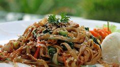 Une recette de sauté de poulet et nouilles de Shanghai, présentée sur Zeste et Zeste.tv