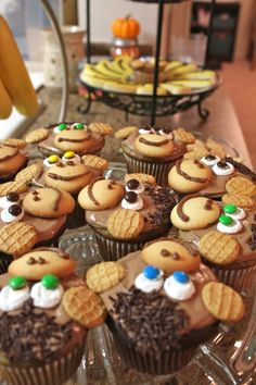 Persnickety Plates Monkey Cupcakes these would be fun for the