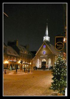 À Noël sur la Place Royale, Québec, Canada.