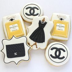 """I couldn't just post one photo of this set! I'm so grateful for wonderful customers who give me a chance to try something new. I used edible dye as """"paint"""" to give the perfume bottle some shading for dimension, and I have to say I'm quite proud of it! Chanel Cookies, Chanel Cake, Coco Chanel, Cute Cookies, Sugar Cookies, Chanel Birthday Party, Red Rose Tea, Happy 16th Birthday, Custom Birthday Cakes"""
