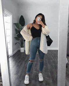 Watch and command live girls for free on FreeBestCams . Cute Lazy Outfits, Casual School Outfits, Teenage Outfits, Basic Outfits, Winter Fashion Outfits, Retro Outfits, College Outfits, Simple Outfits, Look Fashion