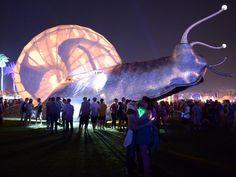 Coachella Valley Music & Arts Festival in Indio (Californië) waar onder meer verschillende lichtsculpturen te zien zijn.