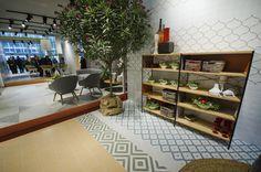 Vives Azulejos y Gres | Cersaie 2015 | Serie Maorí | #vivesceramica #cersaie2015 #stand #bologna #italy #tiles #ceramics #trends