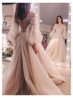 Cute Prom Dresses, Prom Dresses Long With Sleeves, Ball Dresses, Elegant Dresses, Pretty Dresses, Beautiful Dresses, Vintage Prom Dresses, Colorful Prom Dresses, Princess Prom Dresses