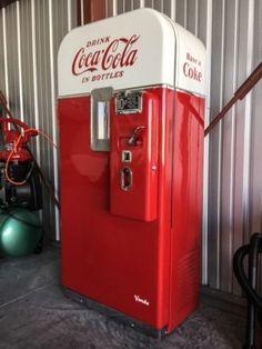 VENDO V 39 Coke Machine