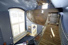 Google Image Result for http://www.firstmateyachtcare.com/wp-content/uploads/2011/03/pirateshipbedroom1.jpg