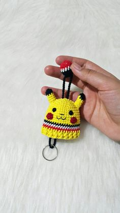 How about decorating your keys with cute hero Pokemon? Granny Square Crochet Pattern, Crochet Patterns, Crochet Key Cover, Small Crochet Gifts, Crochet Pokemon, Crochet Keychain, Key Covers, Key Fobs, Applique Quilts