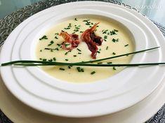 Creamy sour potato soup slightly different Potato Soup, Panna Cotta, Ale, Potatoes, Cooking, Ethnic Recipes, Food, Alcohol, Kitchen