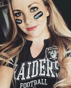 118 greatest The Cheerleaders images On hot activities Oakland Raiders Fans, Raiders Girl, Raiders Football, Cheerleader Images, Hot Cheerleaders, Cheer Athletics, Cheerleading, Raiders Vegas, Raiders Wallpaper