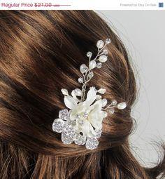 Pearl Flower Bridal Comb Bridal hair comb Wedding by AdrianaSparks, $18.90