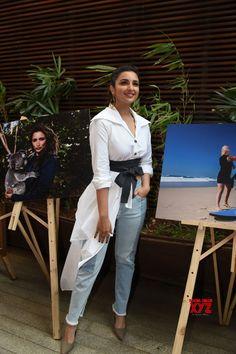Mumbai: Parineeti Chopra during a programme - Social News XYZ Bollywood Actors, Bollywood Celebrities, Hot Saxy, Parneeti Chopra, Stylish Girl Images, Girls Dpz, Celebrity Style, Celebrity Crush, Lovely Dresses