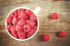 Choose these youth-promoting superfoods to equip your body with cancer-fighting, wrinkle-smoothing, and metabolism-revving nutrients. Tiramisu, Best Superfoods, Raspberry, Fruit, Eat, Spirit, Tiramisu Cake, Raspberries