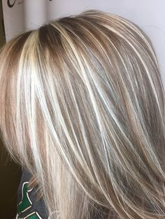 Mermaid Pixie Cut - 20 Hair Styles Starring Turquoise Hair - The Trending Hairstyle Medium Hair Cuts, Medium Hair Styles, Short Hair Styles, Blonde Hair With Highlights, Hair Color Balayage, Turquoise Hair, Hair Color And Cut, Great Hair, Hair Looks