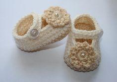 Baby Girl Crochet Beige and Cream Booties Shoes by tweetotshop, $18.00