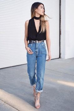 Collection Of Summer Styles cropped boyfriend jeans with black sleeveless  top and choker Jeans Cintura Alta 0c3d8a05749