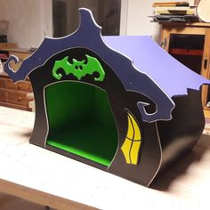 Just finished the custom order dog house. It can host a small/medium sized dog, 3 cats, 1 fat cat, 1/2 Tim Burton or a big Beetlejuice head... #raxfoxdesign #raxfox #designfurniture #timburton #timburtonfurniture #beetlejuice #adamsfamily #gothic #gothicfurniture #vampire #witch #blackcat #nightmarebeforechristmas  #doghouse #dog #bat
