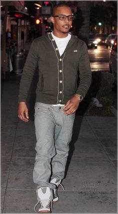 Rapper T.I. eats dinner with his friends at ll Pastaio Restaurant in Beverly Hills, CA