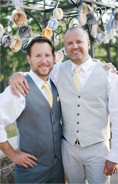 groom and his best man wedding looks | grey and yellow wedding ideas | diy garland | #weddingchicks