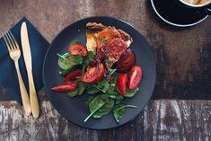 Light dinner e Light lunch: cosa sono? Tomato Pie, Tomato And Cheese, Sliced Tomato, Tofu Tacos, Becoming Vegetarian, Tandoori Chicken, Paella, Food Photo, Sauteed Vegetables