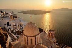 Santorini Sunset Private Tour People say that the island of Santorini offers one of the most amazing sunsets. Every year, thousands of tourists visit thisislandin order tosee this famous sunset which hasbeena source of inspiration for many artists. Watching the sun dip into the Aegean sea is very popular scenery as you as you have …