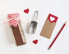 Poppytalk - The beautiful, the decayed and the handmade: Valentine's DIY No. Cute Packaging by Scout's Honor Co. Diy Valentines Day Gifts For Him, Valentine Day Special, Be My Valentine, 40 Diy Gifts, Fun Gifts, Homemade Gifts, Happy Hearts Day, Chocolate Gifts, Hot Chocolate