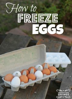 "How To Freeze Eggs.""Be sure to take advantage of all the egg sales that will be coming up soon! Find out how you can freeze eggs! Freezer Cooking, Freezer Meals, Freezer Recipes, Omelettes, Freezing Eggs, Food Hacks, Food Tips, Food Ideas, Preserving Food"