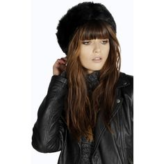 Boohoo Poppy Faux Fur Headband (47 PEN) ❤ liked on Polyvore featuring accessories, hair accessories, black, black hair accessories, headband hair accessories, chain headwrap, crown headband and bohemian headband